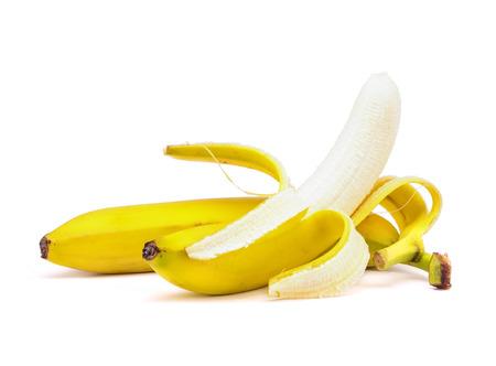 Banaan met peeling op een witte achtergrond.