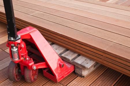 Hydraulic Hand Pallet Truck  Floorboard  Floor