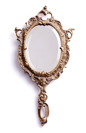 mirar espejo: Hermoso espejo vendimia mano aislado Foto de archivo