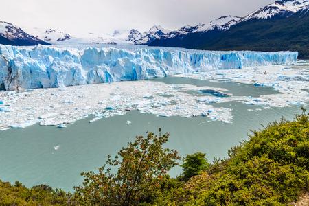 moreno glacier: perito moreno glacier