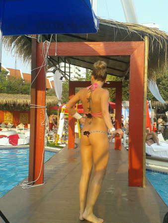 thai dance: Pool party