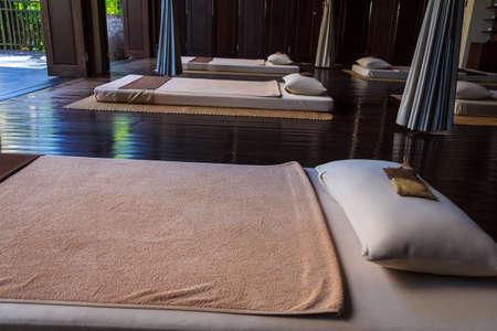 oriental massage: Traditional Thailand Style Massage Treatment Room