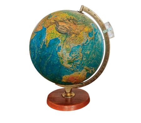 globo mundo: Globo antiguo muy viejo en el fondo blanco Foto de archivo