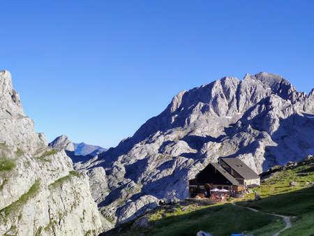 Diego Mella refuge in Collado Jermoso, Posada de Valdeon municipality, Leon, Spain. Picos de Europa National Park Stock Photo