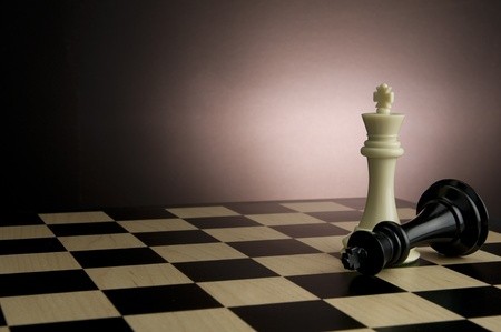 Picture of white and black king from the game of chess.