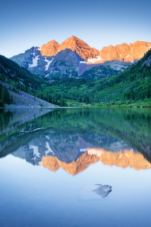 Picture of Maroon Bells in Colorado photo