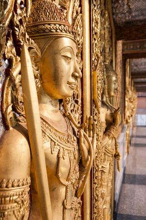 th�?¨: Wat Tha Sung Castle Gold