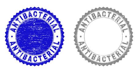 Sceaux de timbre antibactérien grunge isolés sur fond blanc. Joints de rosette avec texture grunge dans des couleurs bleues et grises. Filigrane en caoutchouc vectoriel de l'étiquette ANTIBACTÉRIENNE à l'intérieur de la rosette ronde. Vecteurs