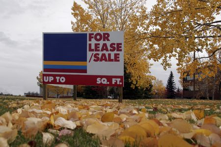 housing lot: For sale lease sign