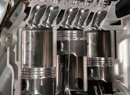 piston: Cutaway engine