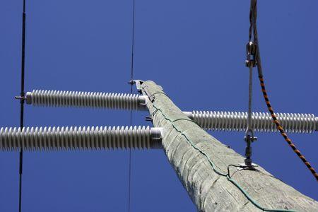 kracht: Elektriciteitsleiding Stockfoto