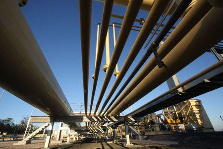 recursos naturales: Oleoductos y gasoductos de la industria del gas Foto de archivo
