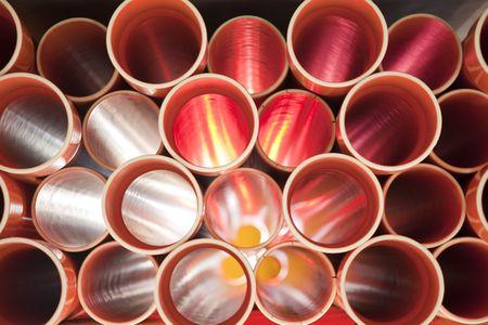 plumbing: Tuber�as de PVC de Brown apiladas en sitio de construcci�n