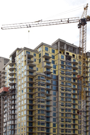 highriser: Lifts on construction of the large tower block