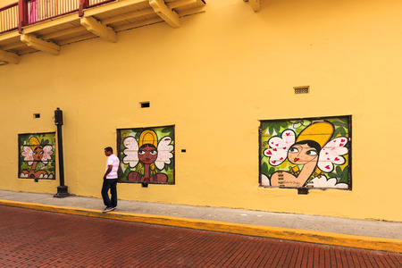 conquistador: PANAMA CITY, PANAMA, 21 10 2015. Old buildings and murals in the old part of Panama City, The city of Panama was founded on August 15, 1519 by Spanish conquistador