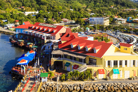 cayman islands: ROATAN ILAND HONDURAS JAN 28 2016: Coxen Hole, also called Roatan Town, is the largest city on the island of Roat�¡n, and the capital of the Bay Islands of Honduras, with a population of 5,070 Editorial