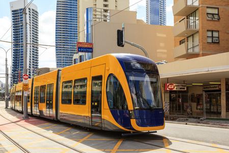 no correr: GOLD COAST AUSTRALIA - April 5: Brand new light rail on test run (not yet open for the public), under commissioning at Surfers Paradise on April 5, 2014 Australia Editorial