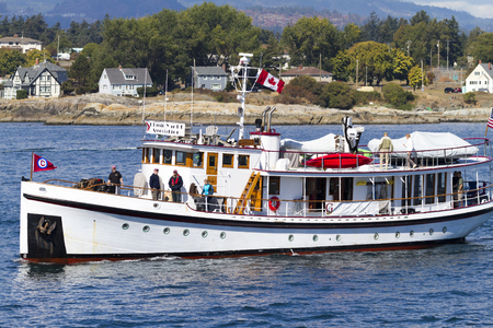 EXHIBIDOR: VICTORIA CANADA -SEPT 4 2016: Annual Victoria Classic Boat Festival attract many owners and visitors from Canada, USA. There are many crafts on display and sailing on the last day tops the event..