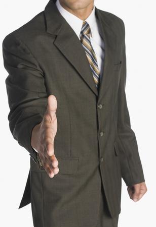 stretta di mano: Uomo d'affari offrendo una stretta di mano LANG_EVOIMAGES
