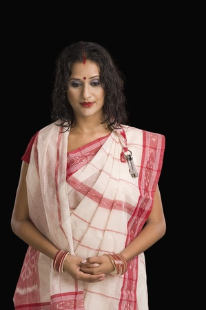 bengali: Woman in traditional Bengali dress LANG_EVOIMAGES