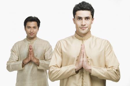 kurta: Two men in prayer position LANG_EVOIMAGES