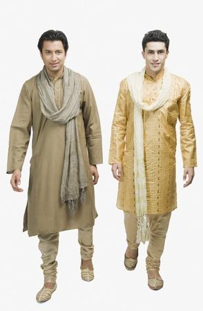 kurta: Two men walking together LANG_EVOIMAGES