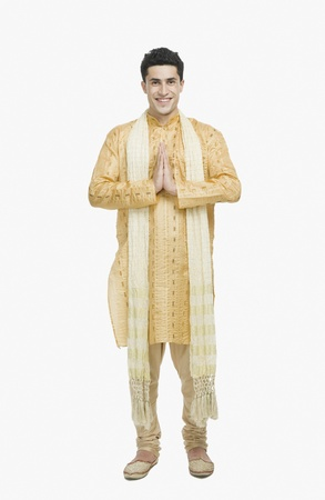 kurta: Man in prayer position