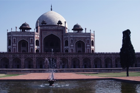 Fountain in front of a tomb, Humayun's Tomb, Delhi, India Stock Photo - 10206483