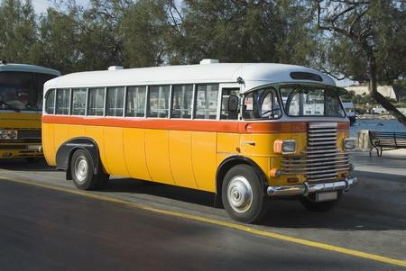 Autobuses en la carretera, Valletta, Malta
