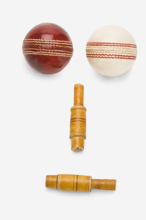 anthropomorphic: Cricket balls and bails forming an anthropomorphic face