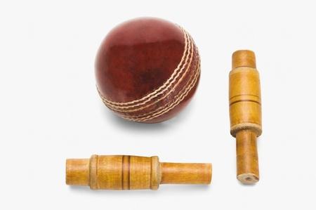 クリケットのボールとベールのクローズ アップ