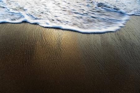 サーフィン、ビーチ、ゴア、インドでの高角度のビュー