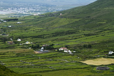 kerry: High angle view of farmhouses, Ring Of Kerry, County Kerry, Republic of Ireland