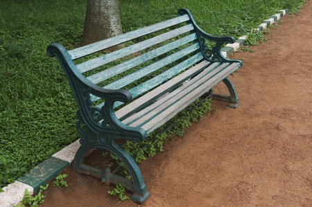 Bench in einem botanischen Garten, Lal Bagh Botanical Garden, Bangalore, Karnataka, Indien Standard-Bild - 33406373