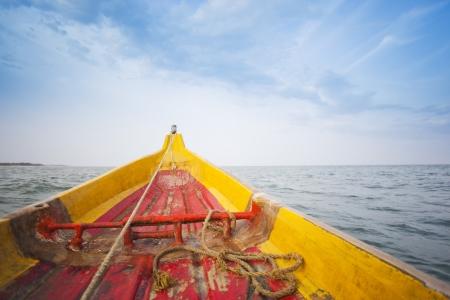fischerboot: Fischerboot auf dem Meer, Pondicherry, Indien