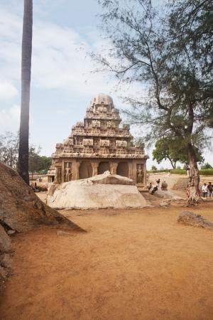 ヴァラーハ洞窟寺院、マハーバリ...