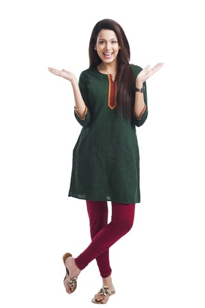 Portrait eines glücklichen Frau posiert Standard-Bild - 24632102