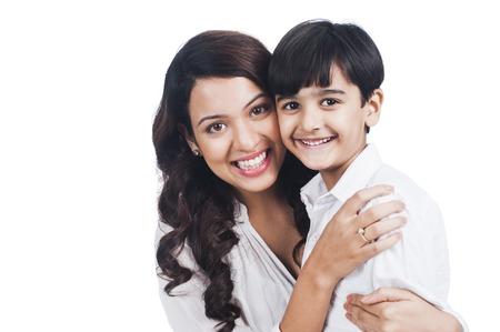 Portret van een gelukkige moeder en zoon Stockfoto