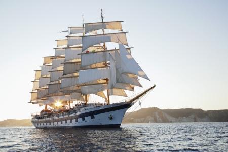 schepen: Clipper schip in een zee, Ponza, Tyrreense Zee, provincie Latina, Lazio, Italië Stockfoto