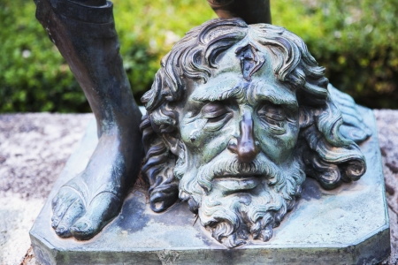 male likeness: Estatua en un jard�n, Amalfi, Provincia de Salerno, Campania, Italia Foto de archivo