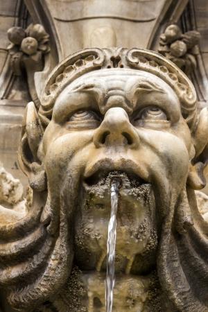 male likeness: Fuente en la Piazza della Rotonda, Roma, Provincia de Roma, Lacio, Italia