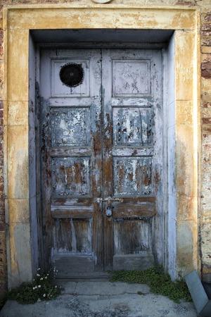himachal pradesh: Weathered doorway of a house, Shimla, Himachal Pradesh, India Stock Photo