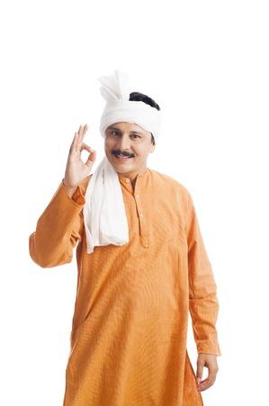 Portret van een man gebaren