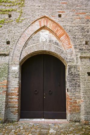 Geschlossene Tür eines Gebäudes, Siena, Provinz Siena, Toskana, Italien Standard-Bild - 33376943