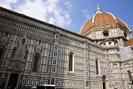 Cathedral in a city, Duomo Santa Maria Del Fiore, Piazza Del Duomo, Florence, Tuscany, Italy Standard-Bild