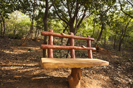 Bench in a park, Kambala Konda Eco Tourism Park (Majjisrinath), Visakhapatnam, Andhra Pradesh, India Standard-Bild