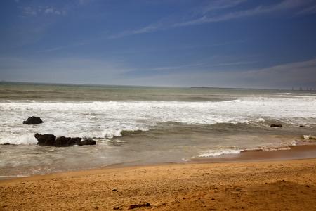 Surfen am Strand, Visakhapatnam, Andhra Pradesh, India Standard-Bild - 33377400