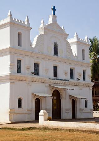 Fassade einer Kirche, Goa, Indien Standard-Bild - 33377304