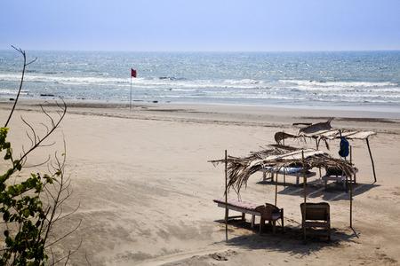 Lounge chairs on the beach, Siolim, Bardez Taluka, Goa, India Standard-Bild