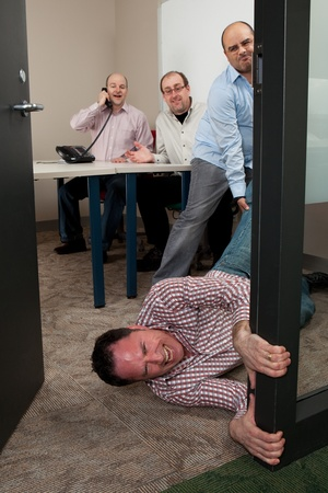 acoso laboral: Tu eres despedido o no otro concepto reuni�n Foto de archivo